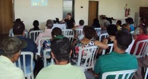Dr. Ricardo prestou algumas orientações sobre como realizar o autoexame para detecção de doenças bucais - Divulgação