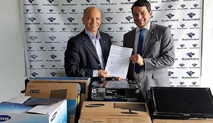 Inspetoria da Receita Federal em Mundo Novo (MS) realiza doação de mercadorias para Vara de Ubiratã