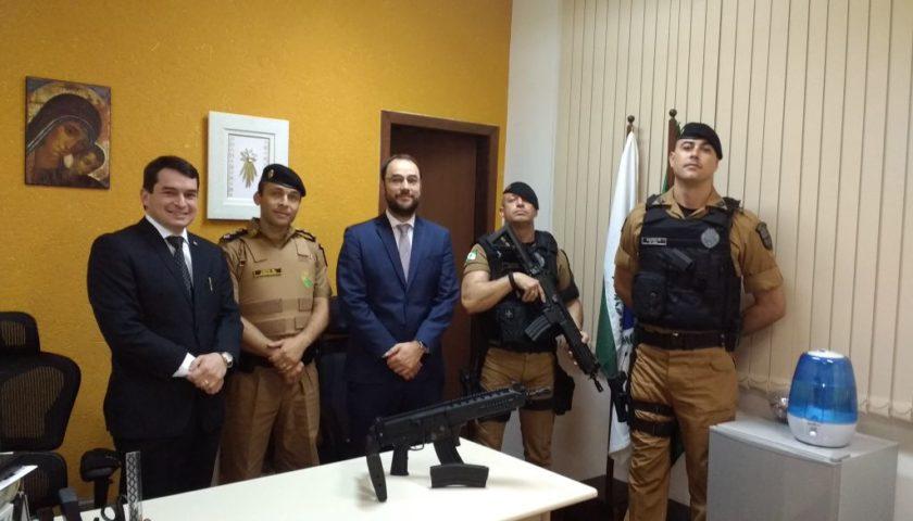 ROTAM de Ubiratã recebe fuzil .556 do 3º Comando Regional de Polícia Militar