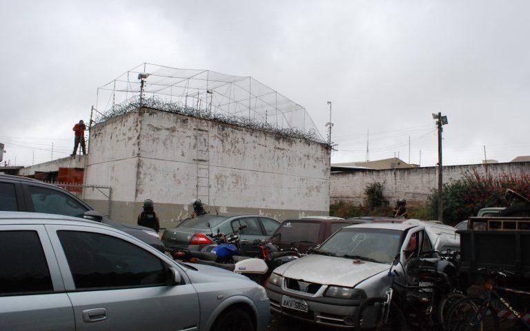 Oito presos fogem da cadeia de Goioerê