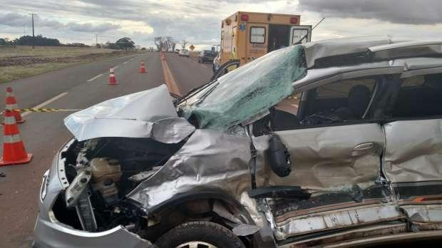 Homem morre em batida entre ônibus e carro na BR 369