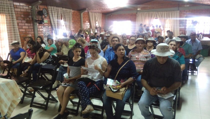 Agricultores de Ubiratã visitam a 30º Expo Goio