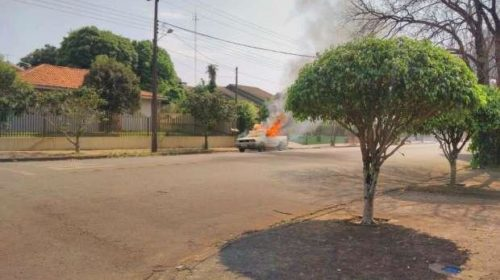 Veículo da prefeitura de Corbélia pega fogo