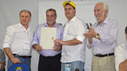 No Show Rural Ratinho Jr assina autorização para pavimentação asfáltica na Av. João Medeiros e Rua Jorge de Oliveira