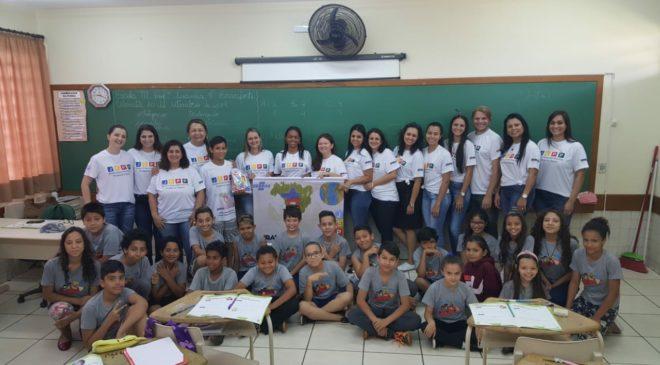 Professores municipais do Programa JEPP recebem camisetas personalizadas